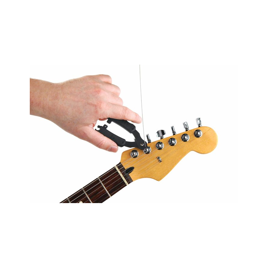 Planet Waves DP0002 Pro-Winder Guitar In Use