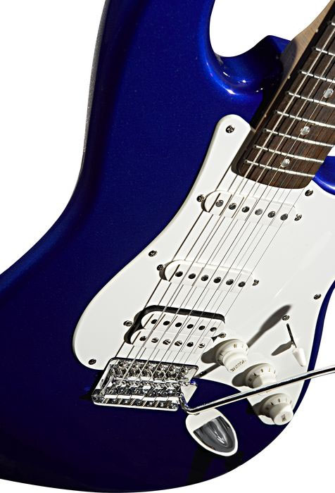 Squier Stop Dreaming, Start Playing! Affinity Strat HSS with G-DEC Junior Amp - Metallic Blue Metallic Blue