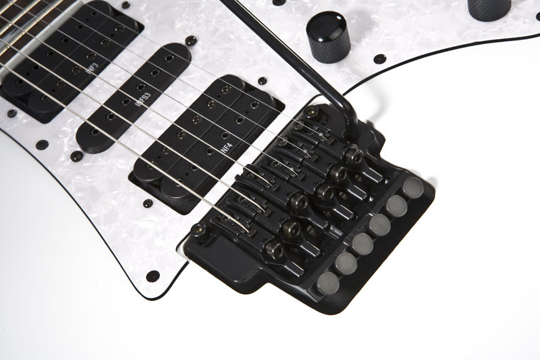Ibanez RG370DX - White The Edge III trem on the RG350DX features a