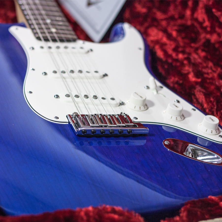 Fender Custom Shop 2011 Deluxe Stratocaster Candy Blue Body Detail