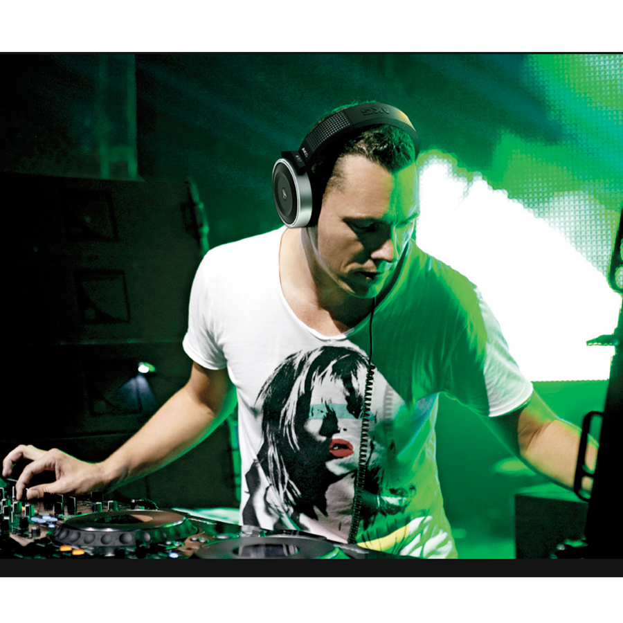 Akg K167 Tiesto DJ and Producer Tiesto