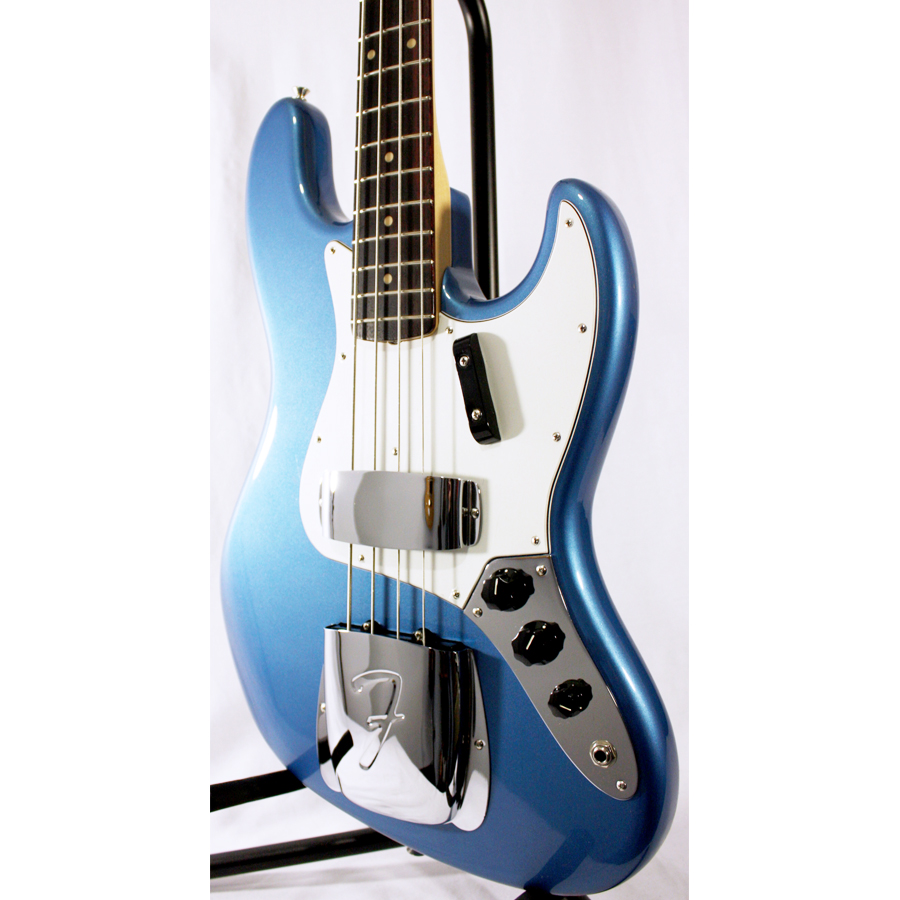 Fender American Vintage 64 Jazz Bass Lake Placid Blue Body Detail