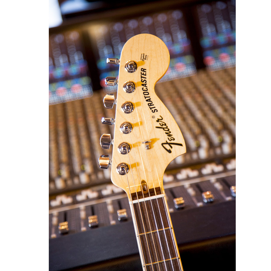 Fender Select Stratocaster HSS Tobacco Sunburst  Headstock Detail