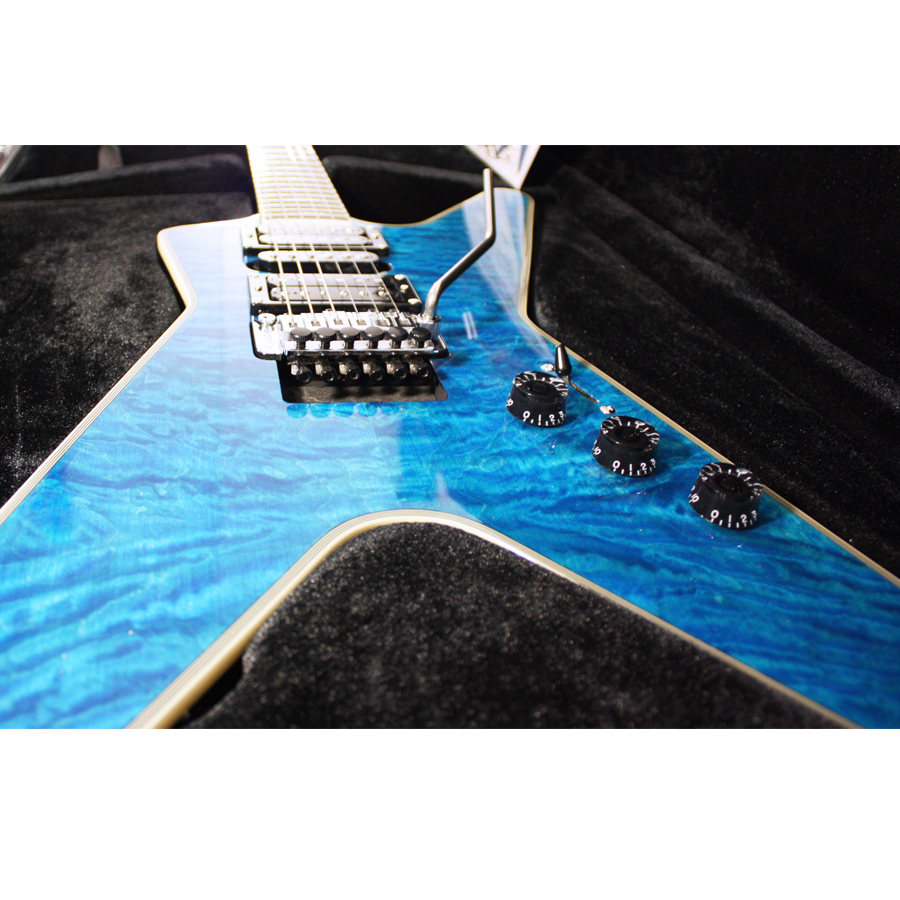 Dean Custom Run 8 ML Switchblade Transparent Blue Body Detail