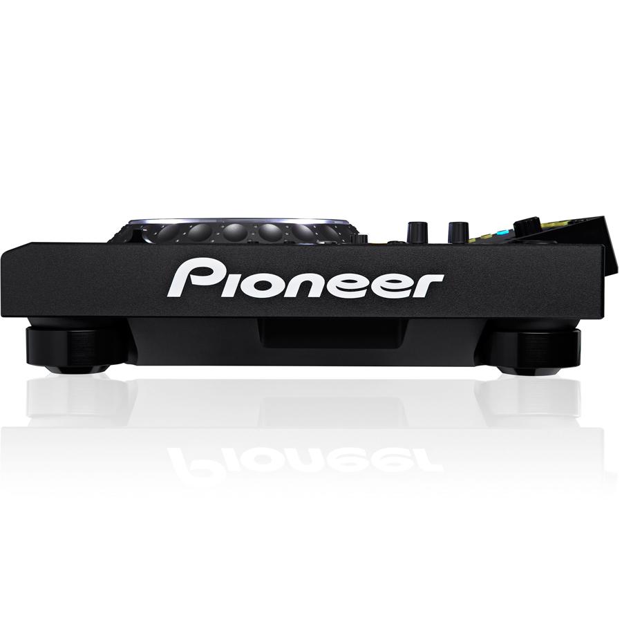 Pioneer CDJ-2000 NXS NexusAngled View