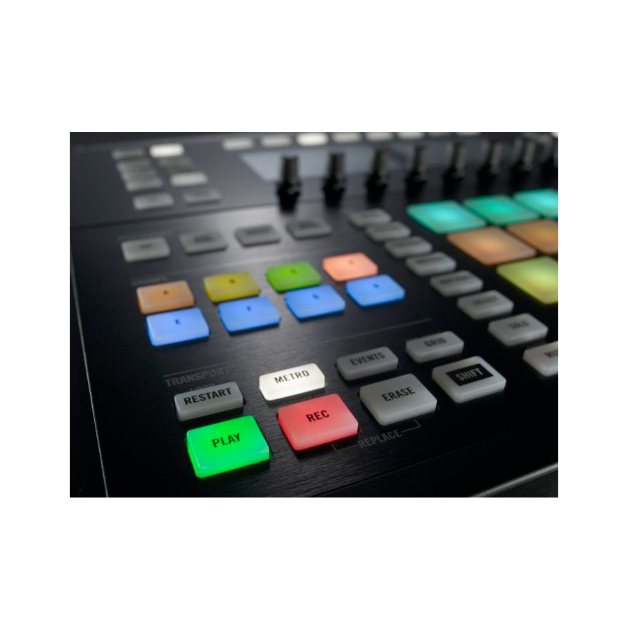 Native Instruments Maschine Studio Black View 5