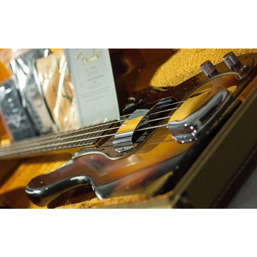 Fender 1964 Heavy Relic Precision Bass 3-Color SunburstView 7