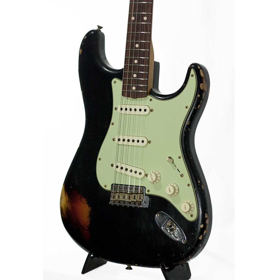 Fender Custom Shop1960 Strat Black - 3-Tone Sunburst Body Detail
