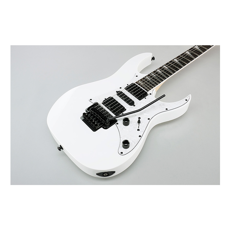 Ibanez RG450DXBWH White Body Detail